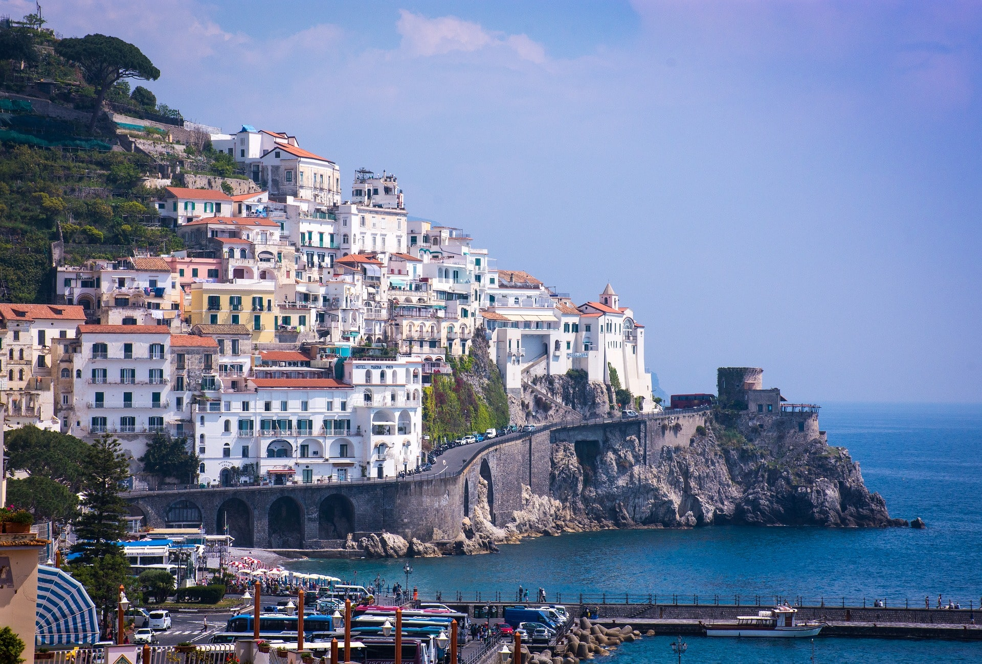 Where to stay in Italy for high class color and luxury? The gorgeous Amalfi Coast