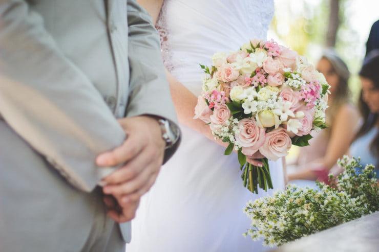 wedding hashtag ideas and tips