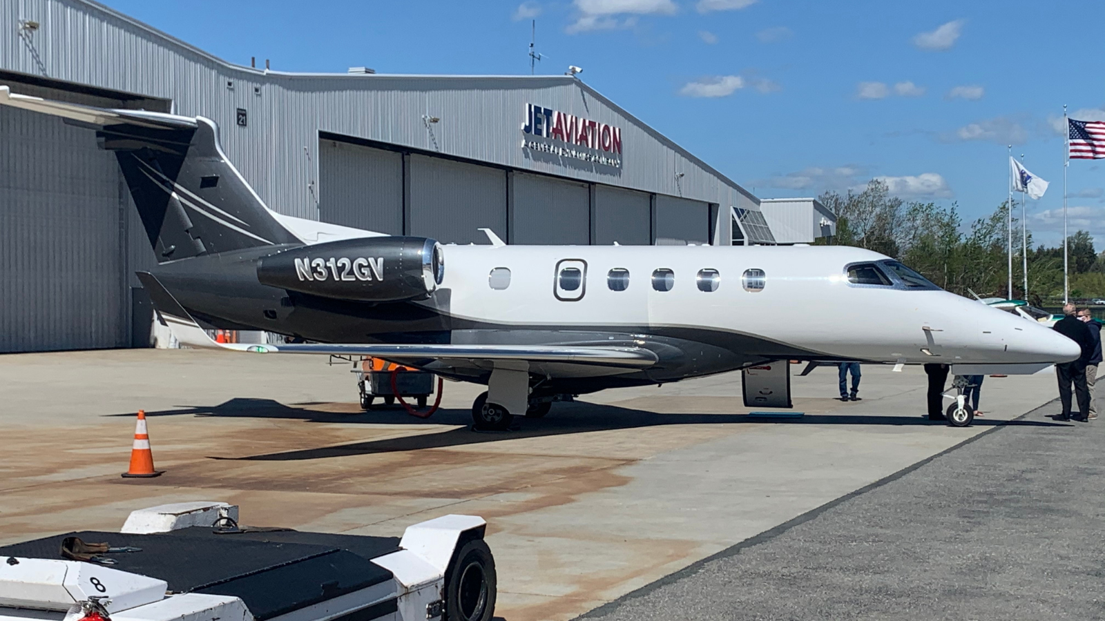 Embraer Phenom 300 Private Jet