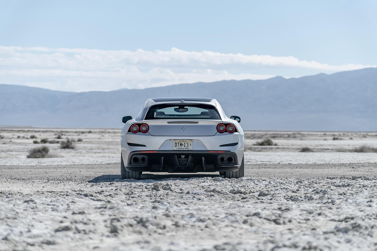 Ferrari_GTC4LussoT_008R.jpg