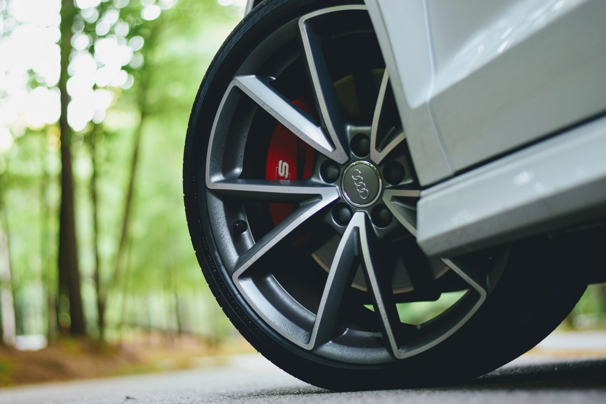 Budget, Mid-range or Premium Tyres – Which Should you Choose? Featured Image