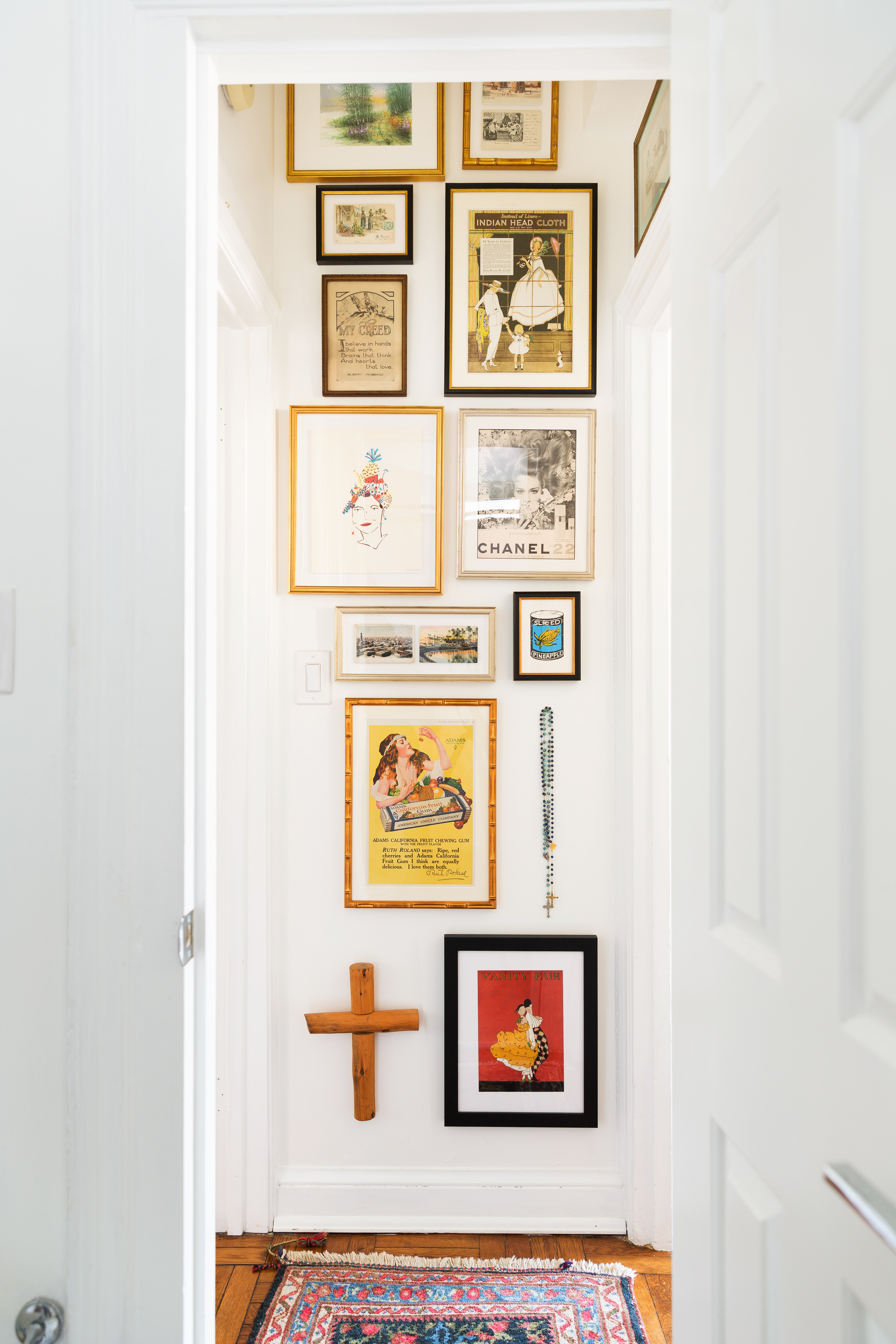 Design A Wall Five Easy Ways To Design A Gallery Wall