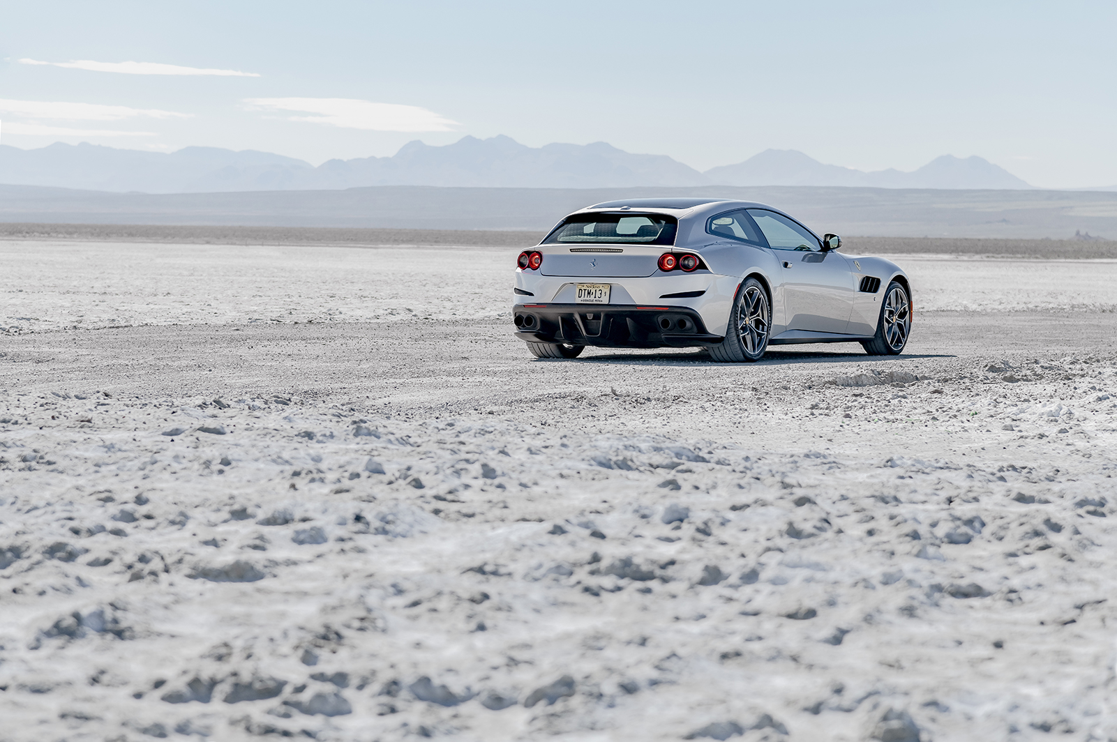 Ferrari_GTC4LussoT_003R.jpg