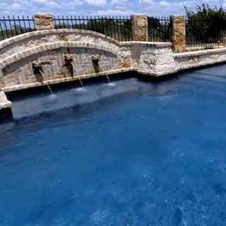 VIDEO: a Grand Mediterranean Pool to Swim in Place