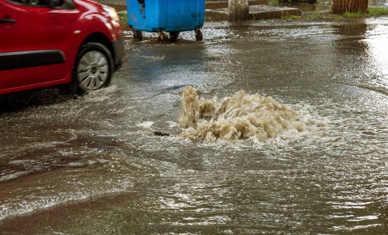 urban-resilience-overflowing-sewer