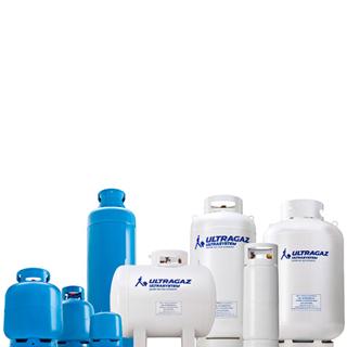Ilustração com foto de 8 botijões de diferentes tamanhos, azuis e brancos com logo da Ultrasystem estampado nos botijões branco.