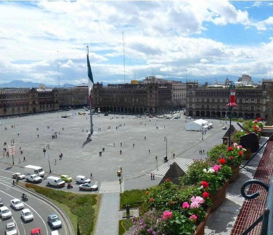 Zocalo Central Hotel offers beautiful views of nearby El Zocalo