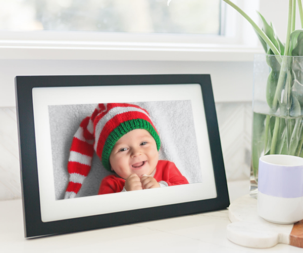 The Perfect Holiday Gift: This Digital Frame Has A Magical Feature That Saved My 2020