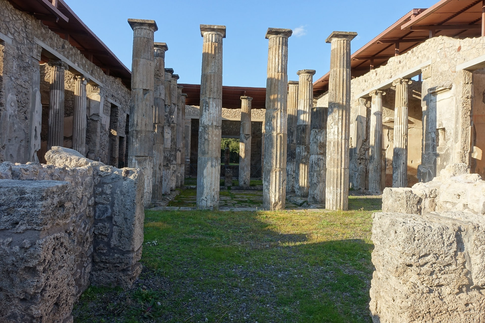Visiting Pompeii is an eerie (but very cool) thing to do in Italy