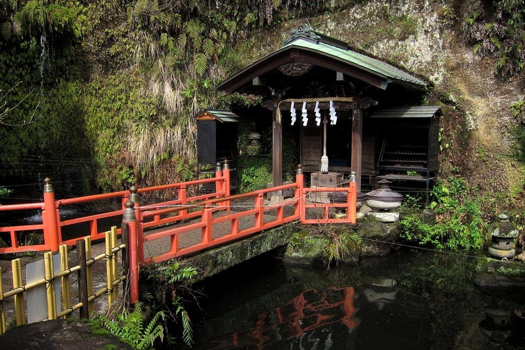 Visiting a holy bath at the Zeniarai Benzaiten shrine is one of the things to do in Hakone