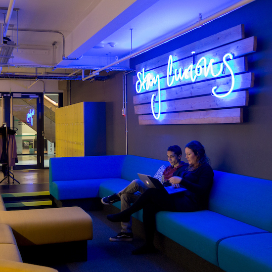 huckletree-shoreditch-sofas