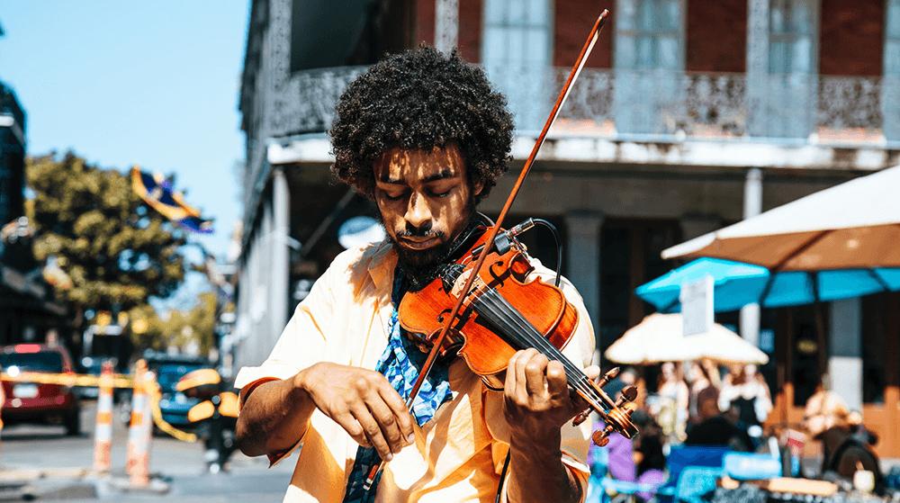 Man playing violin on street