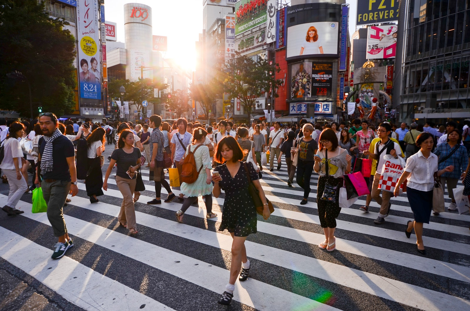 Shibuya Crossing must do in Japan