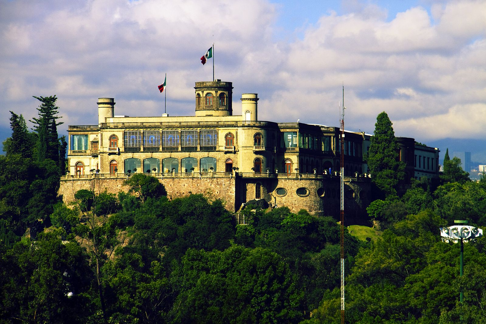 Chapultepec Park is one of the Places to Visit in Mexico City-Wikimedia Commons