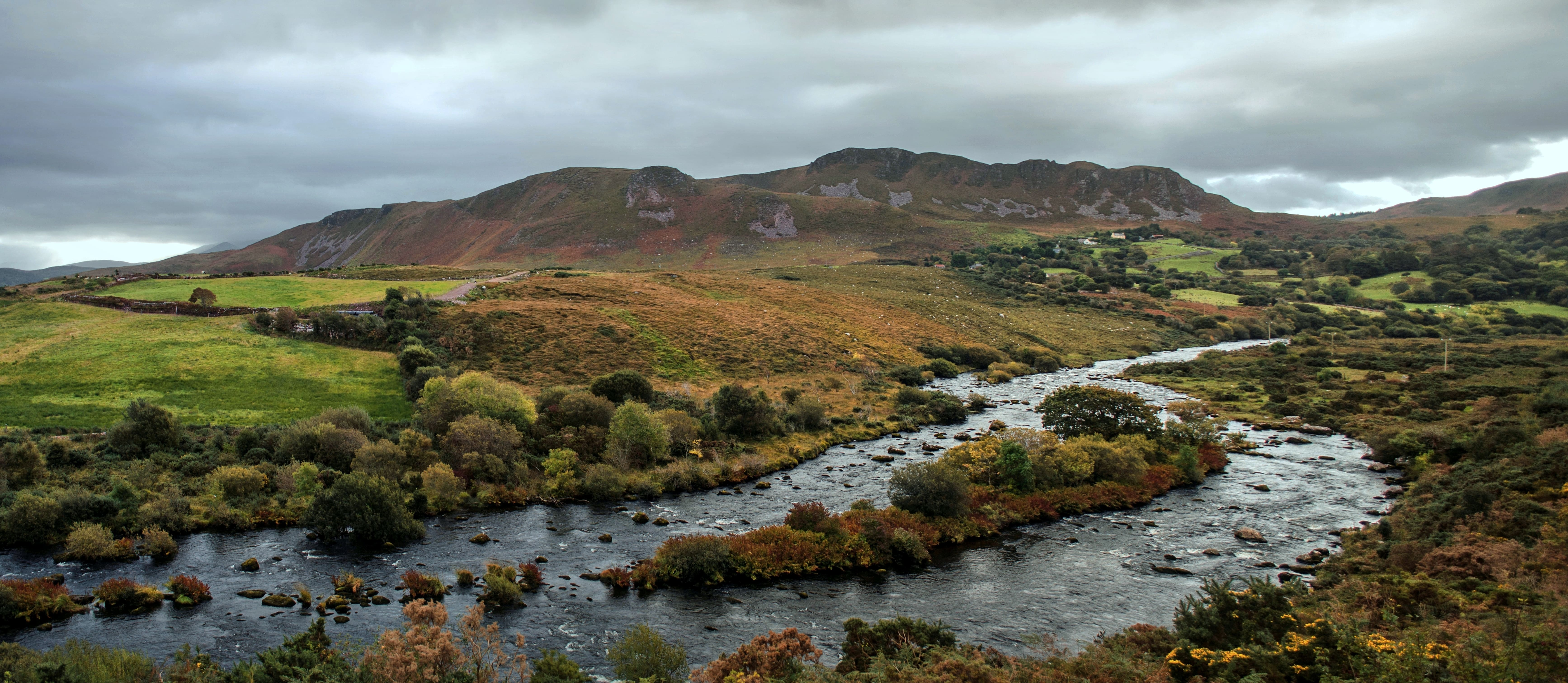 Exploring the gorgeous Ring of Kerry is an awesome thing to do in Ireland