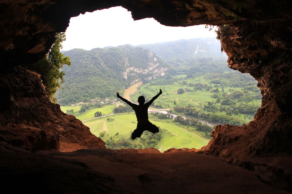 Ecotour of ancient caves and cliffs in Arecibo