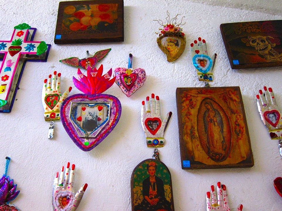 The house of Frida Kahlo is also a museum and is also what to do in Mexico City