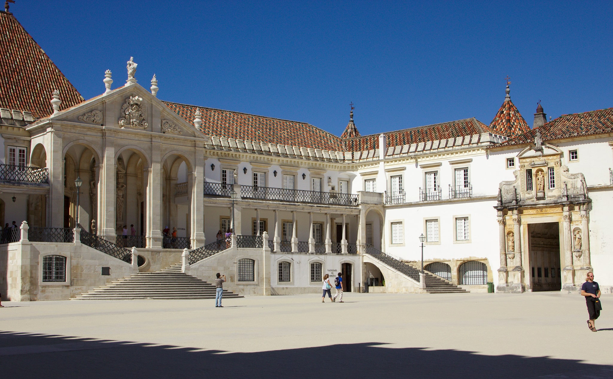 Where to stay in Portugal for awesome student life? Coimbra