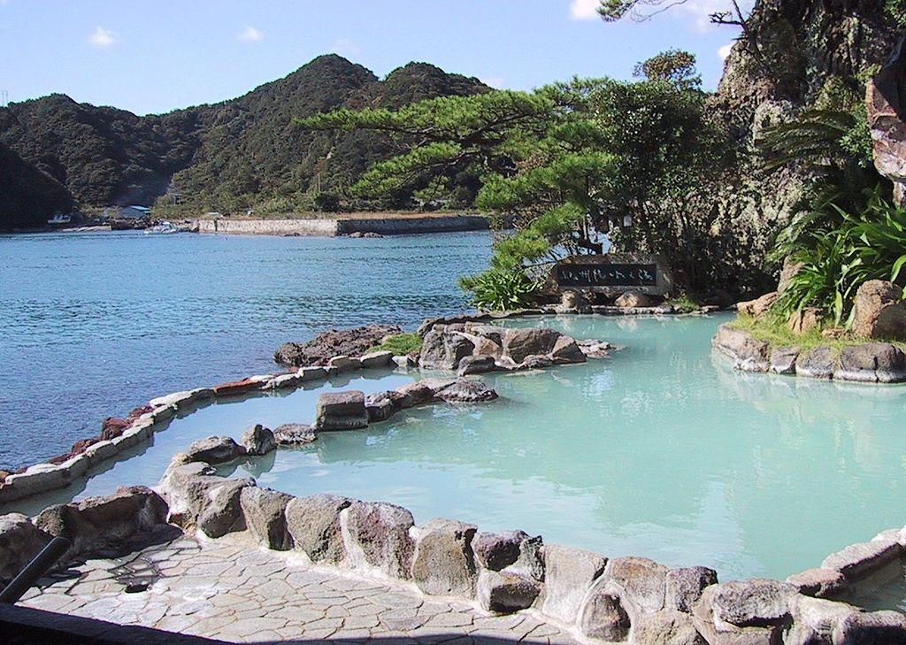 onsen hot spring what to do in Japan