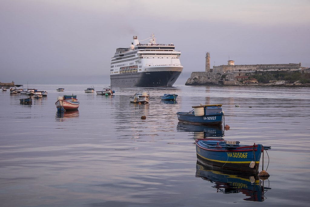 Cruises and boats on a Cuba shore excursions