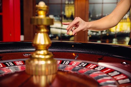 betting-casino-roulette.jpg