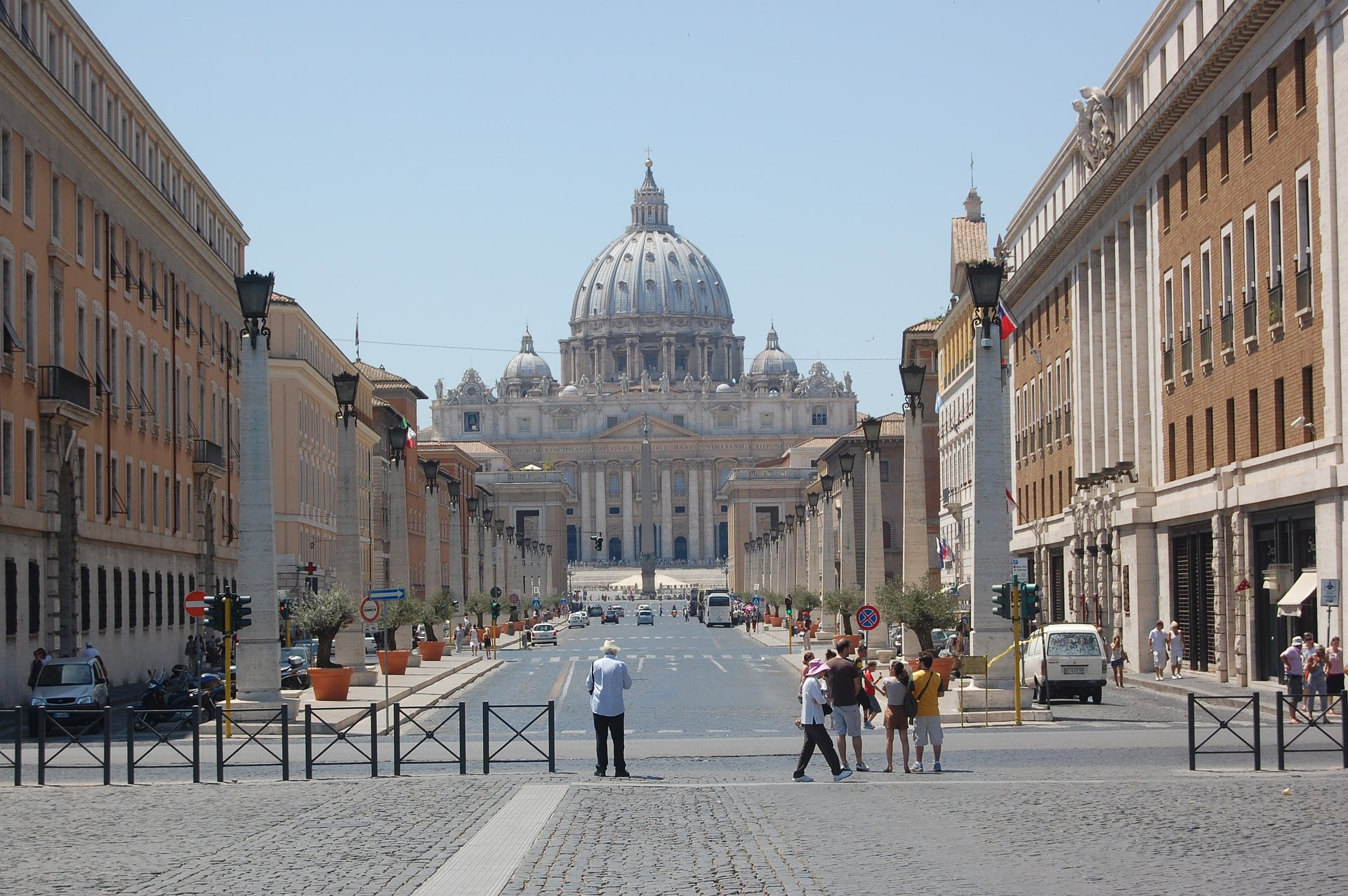 Packed with amazing sites, visiting Vatican City is an awesome thing to do in Italy