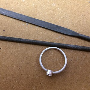 Shaping the ring band for the CZ setting