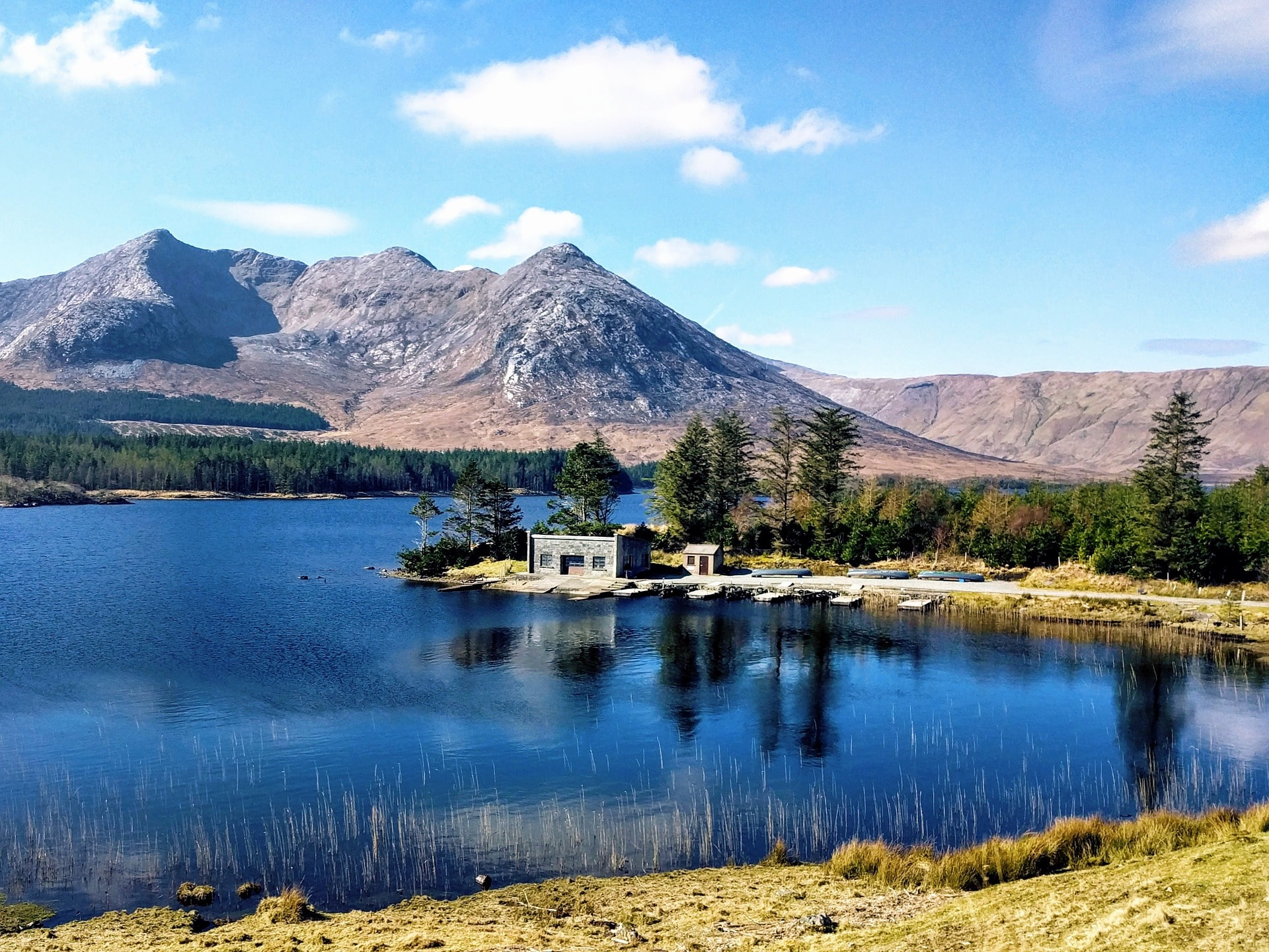 Exploring the gorgeous Connemara region is a cool thing to do in Galway Ireland