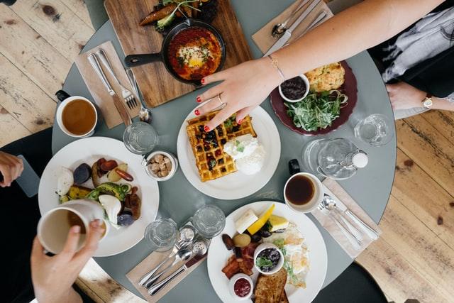 virtual-team-building-large-groups-breakfast.jpg