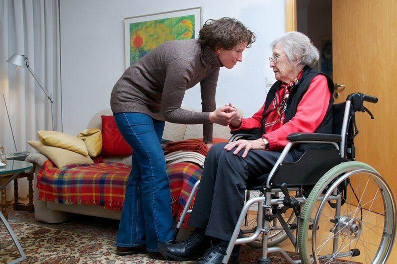 top tips for managing dementia care in the home for family caregivers
