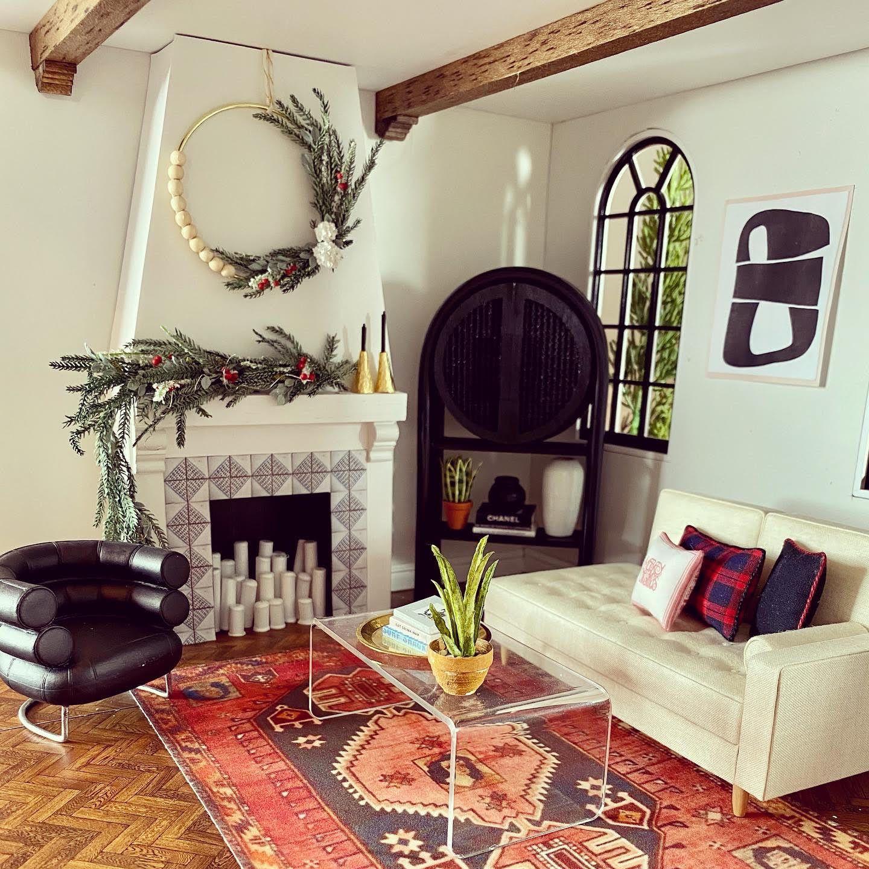 photo of miniature dollhouse room