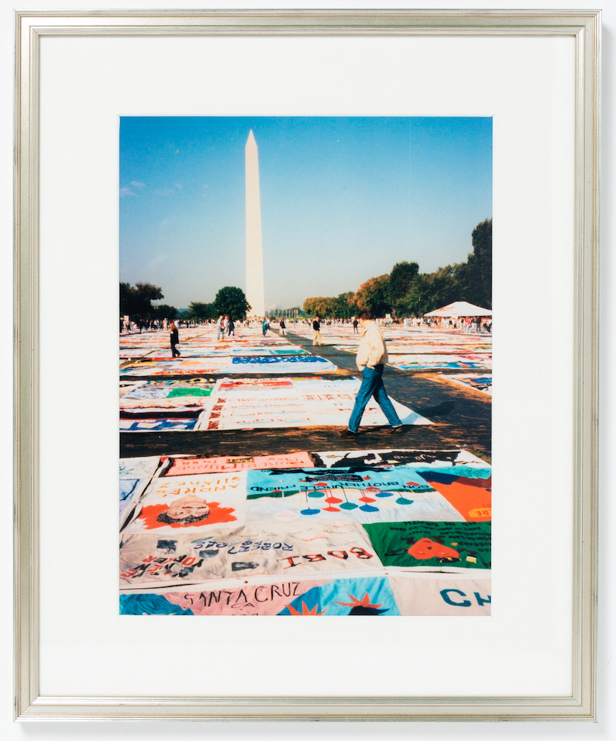 picture of washington monument in silver frame with linen mat