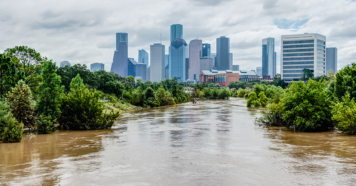 flooding river in Houston TX, green roof can reduce localized flooding