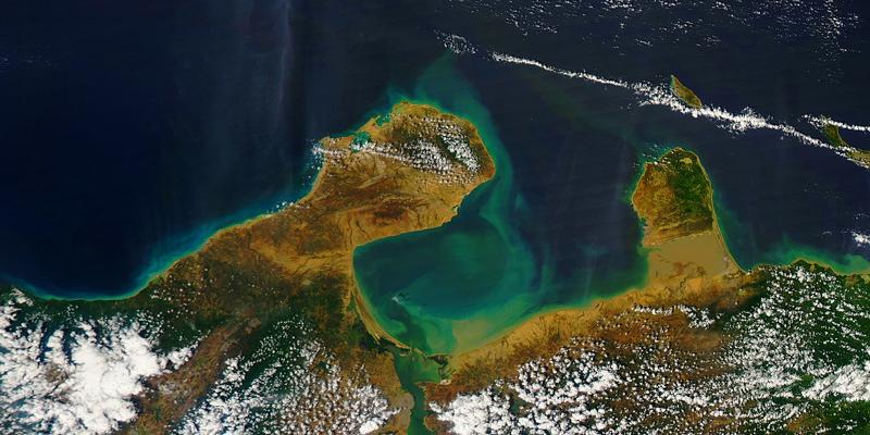 nutrient-runoff-algal-bloom-satellite