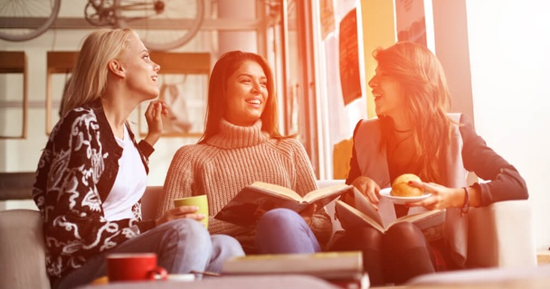 Does my student loan show on my credit score?