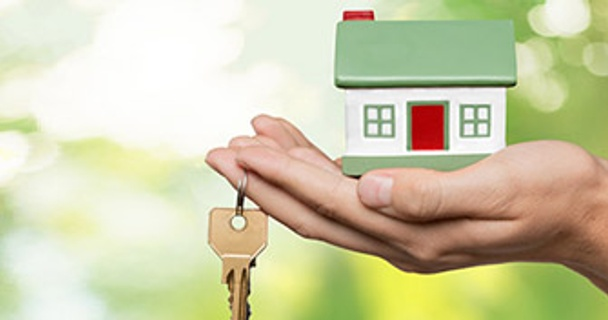 What's the average mortgage deposit?