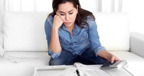 Should I use a loan or a credit card to consolidate my debts?