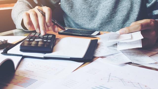7 ways to keep your bills under control