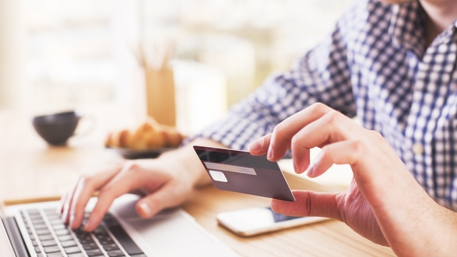 Does an overdraft affect your credit score?