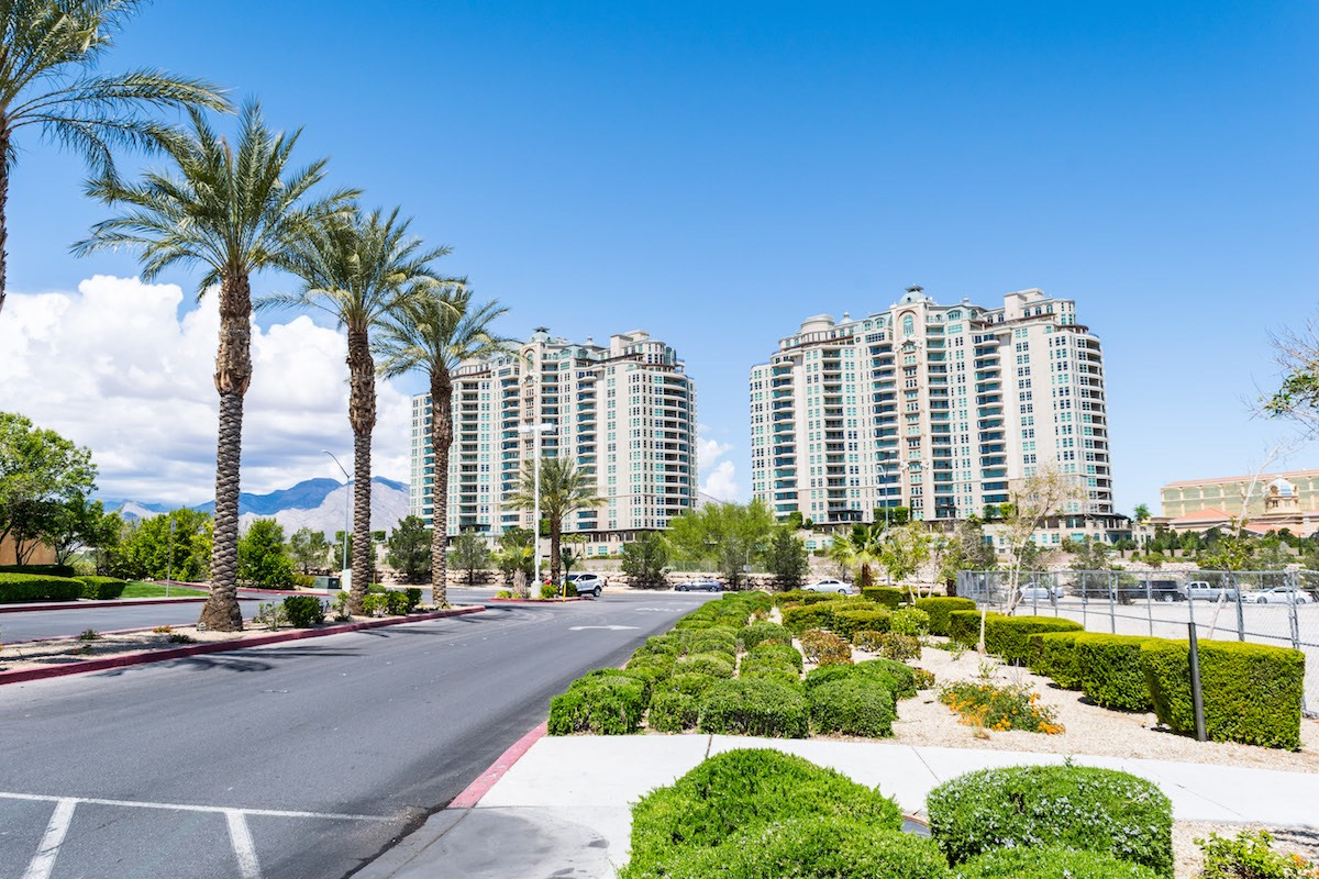 Which Las Vegas Neighborhood is Better: Summerlin or Green