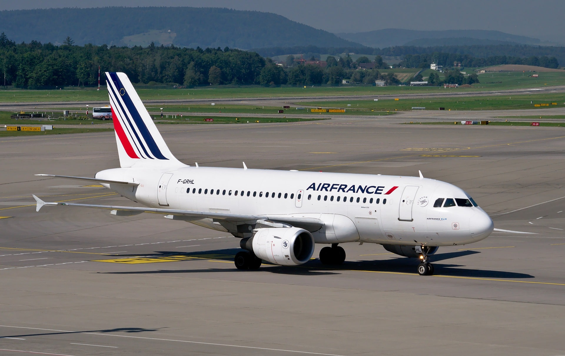 Transportation in France involves multiple budget airlines