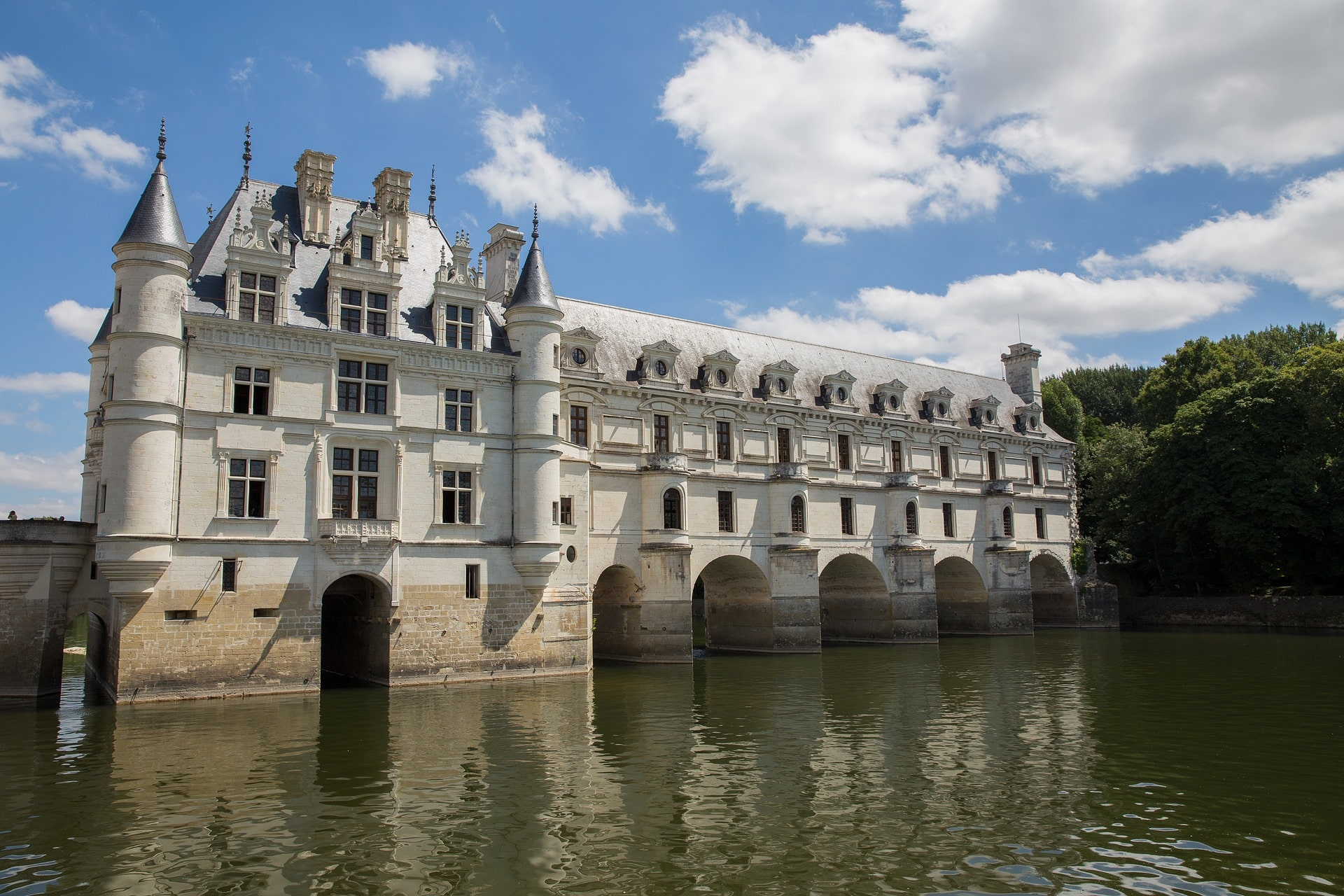 The châteaux of the Loire Valley are some of the best places to visit in France