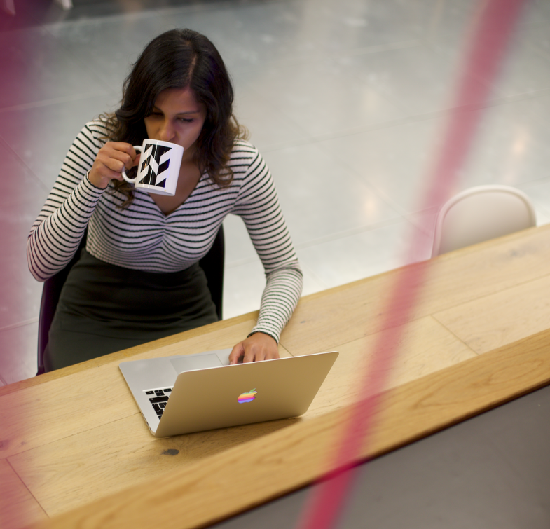 huckletree-shoreditch-woman-working-workspace