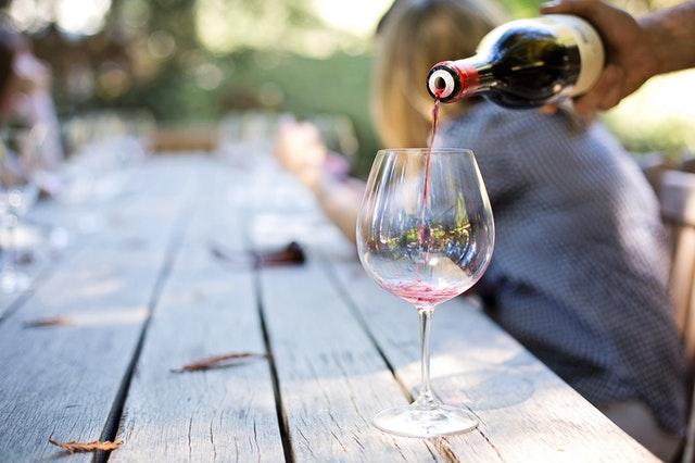 holiday-team-building-activities-wine.jpg