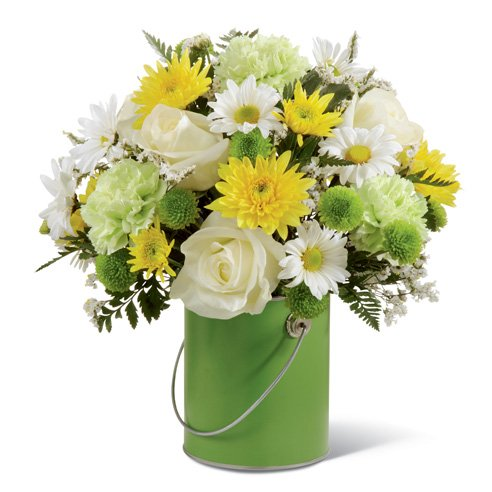 green-carnations-white-daises-white-r...