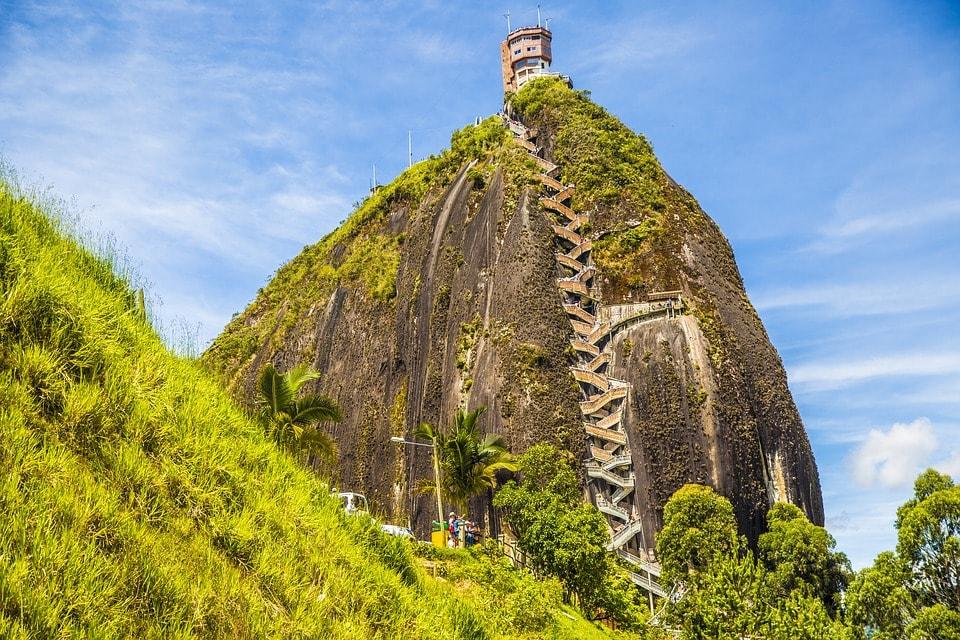 El Penol de Guatape hiking Medellin