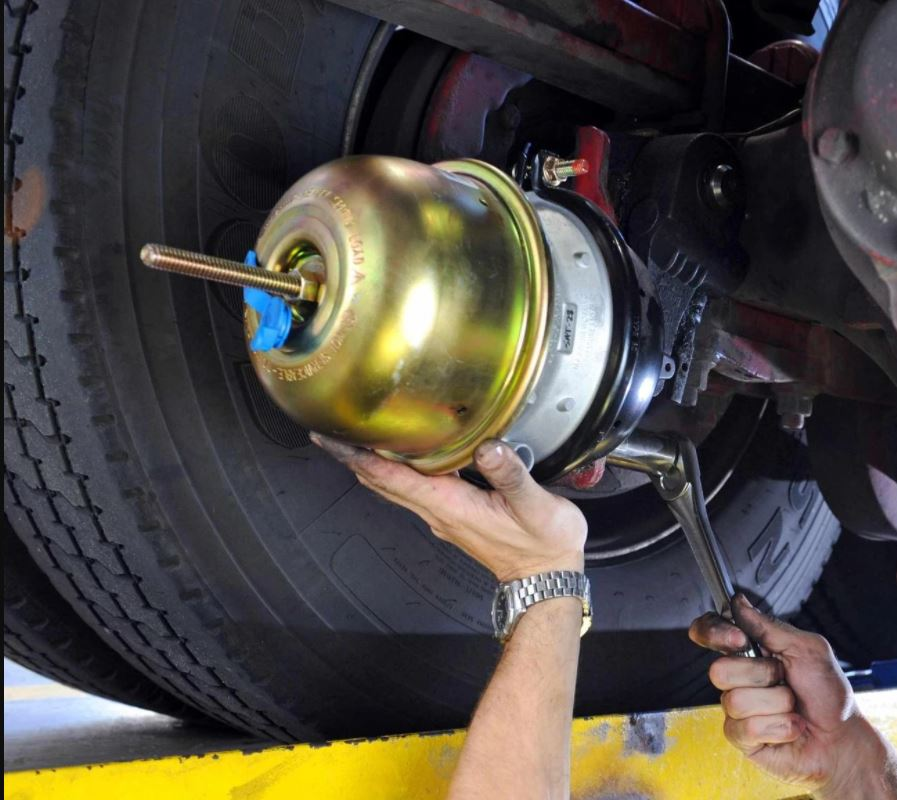 Steps to Replacing the Air Brake Chamber