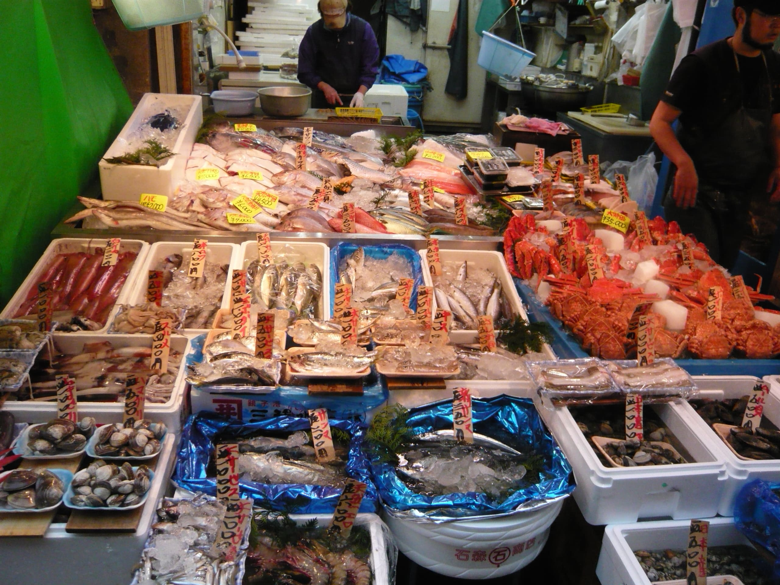 Tsukiji Fish Market is a top point of interest in Tokyo