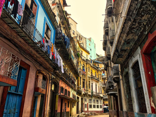 coloful houses in cuba