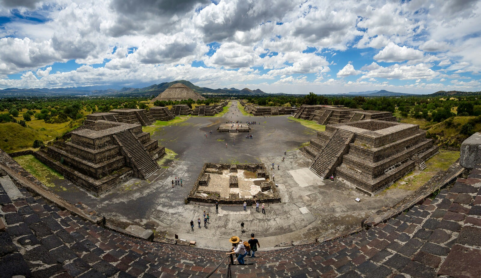 Climbing the Pyramids of Teotihuacan is an awesome thing to do in Mexico City